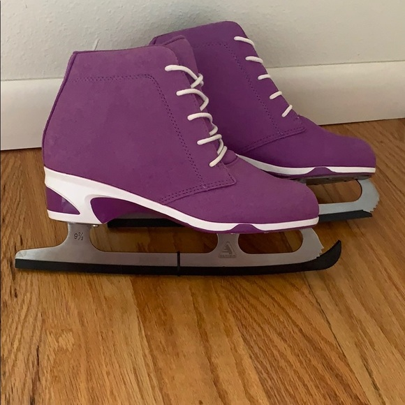 NEW Purple Ice Skates, size 7
